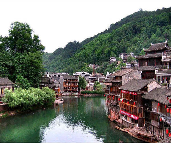 Contributed 11 million yuan to Fenghuang Ancient Town (phoenix)
