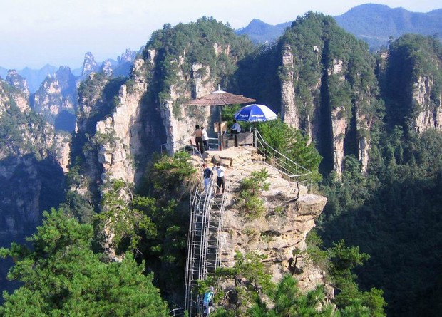 6 Days Deluxe tour in Zhangjiajie and Shanghai