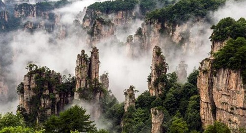 4 Days Zhangjiajie park tour for Avatar mountain and Tianmenshan