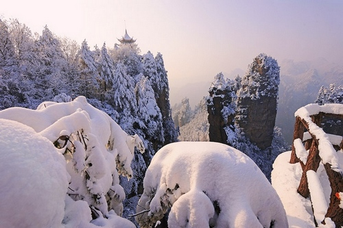 Zhangjiajie Winter Tourism-A Snow Kingdom