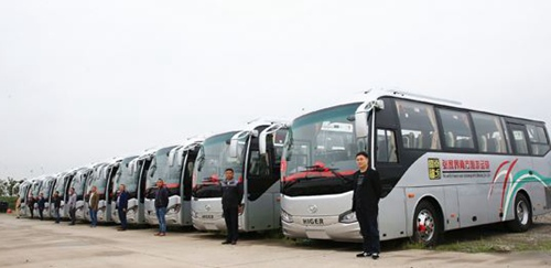 Opening of High-speed bus from Changsha to Zhangjiajie