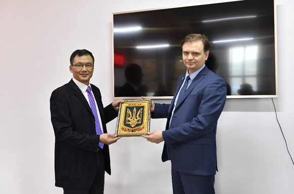 Zhangjiajie AVC and Ukrainian Aerospace University establish cooperation